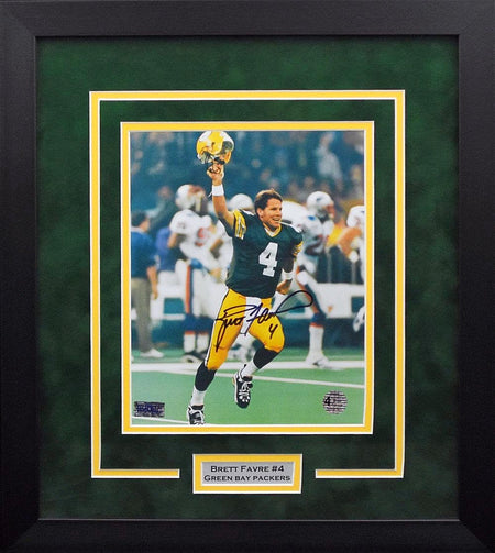 Brett Favre Autographed Green Bay Packers #4 Framed Jersey