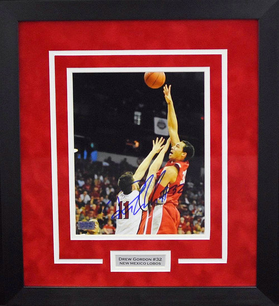 Drew Gordon Autographed New Mexico Lobos 8x10 Framed Photograph (Hook Shot)