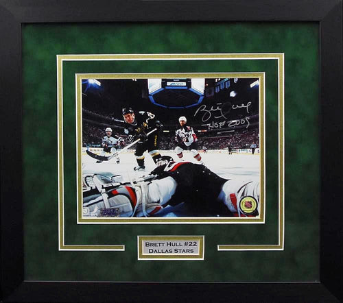 Brett Hull Autographed Dallas Stars 8x10 Framed Photograph (Horizontal)