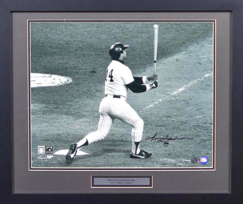 Reggie Jackson Autographed New York Yankees 16x20 Framed Photograph