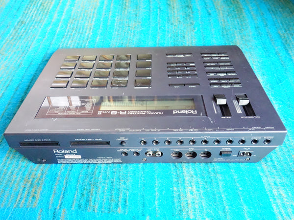 Roland R-8 Mk2 Human Rhythm Composer / 90's Drum Machine w/ AC Adapter - E371