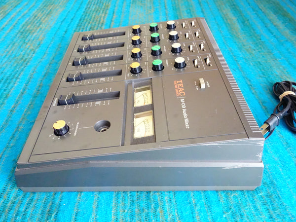 Teac M-09 4 Stereo / 8 Channel Analog Stereo Mixer - 80's Vintage - F120