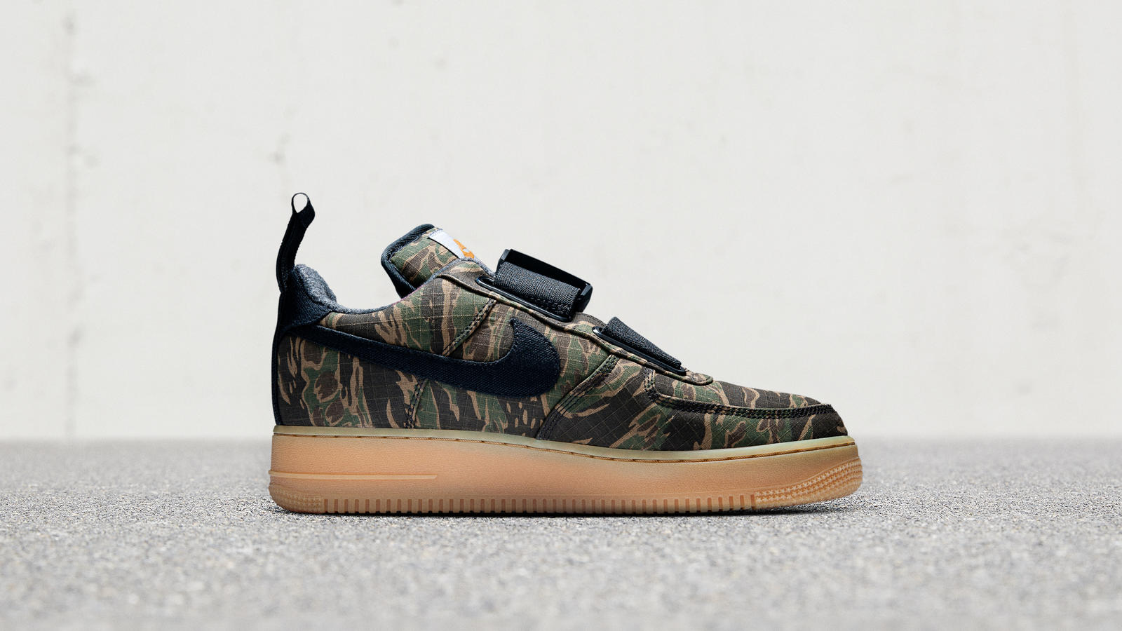 182e941f75 02_FeaturedFootwear_NSW_NikexCarhartt_10.12.18-679_hd_1600_2048x2048.jpg?v=1542396911