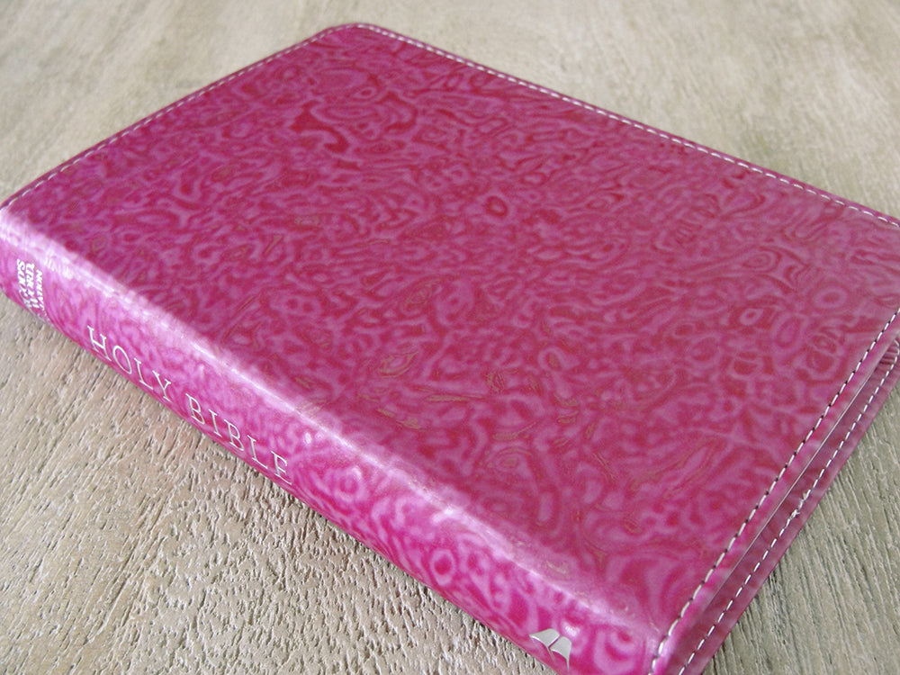 GOD'S WORD Compact Bible (Case of 30 Copies, Raspberry Swirl )