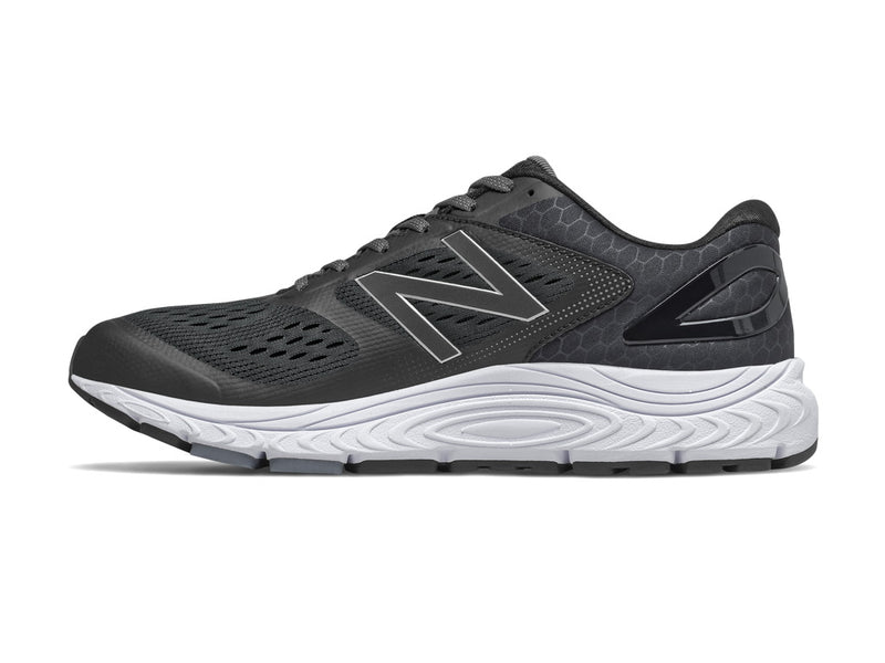 New Balance 840 v4 (M) - Black with White