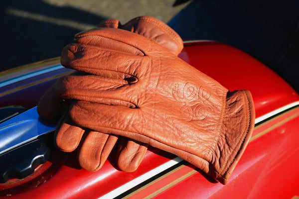 "Whiskey ""Road Roamer"" Gloves † Throttlesnake Embossment"