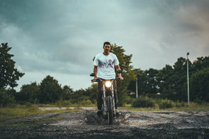 Camiseta Hold Fast † By Clemens Hahn - Blanca