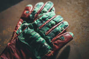 Red Leather & 600D Gloves † Sonora