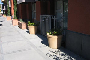 Wilton Contemporary / Modern planters Concrete Creations