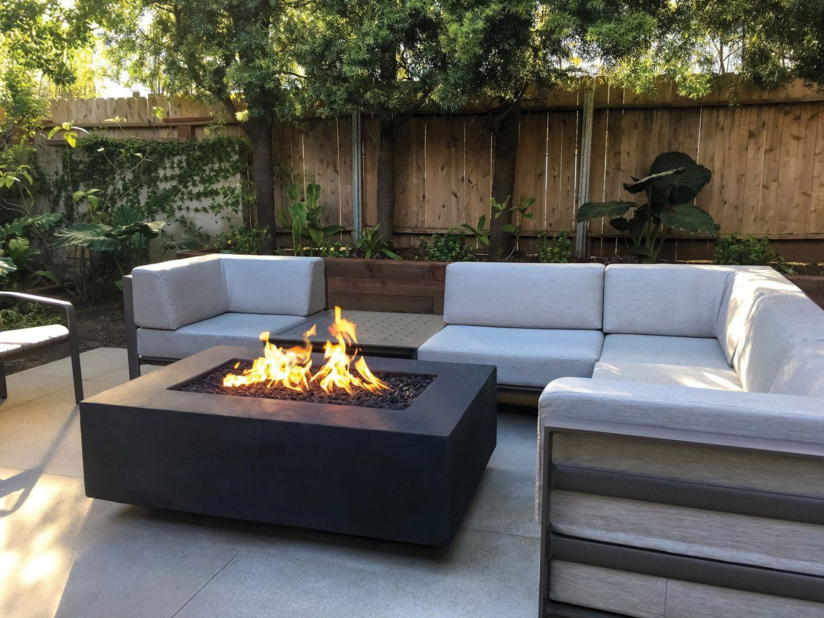 Geo Edge Rectangular Fire Table with Toe Kick Fire Bowls / fire Pits ConcreteCreationsLA