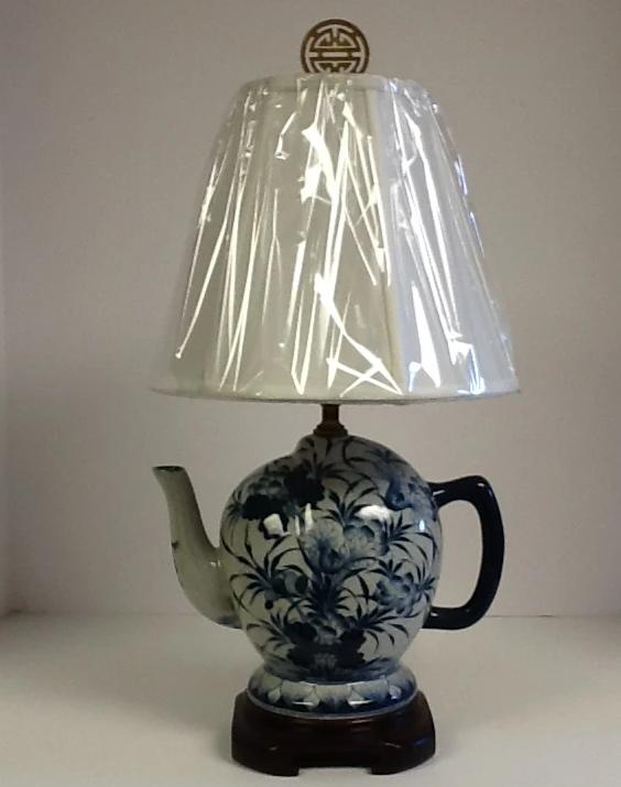 Porcelain Hand Painted Blue & White Teapot Lamp