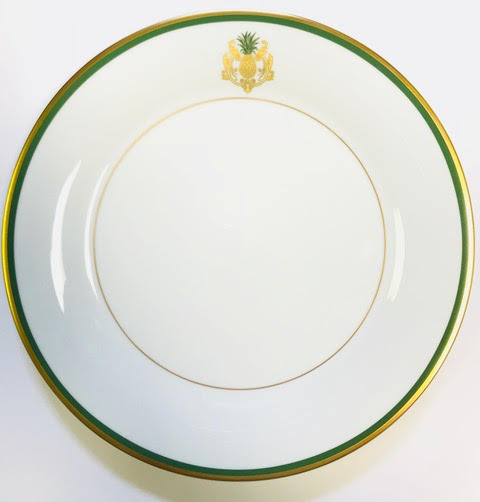 Pickard Charlotte Moss Pineapple motif dinner plate gold and green