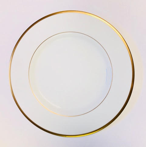 Pickard signature ultra white & gold dinner plate
