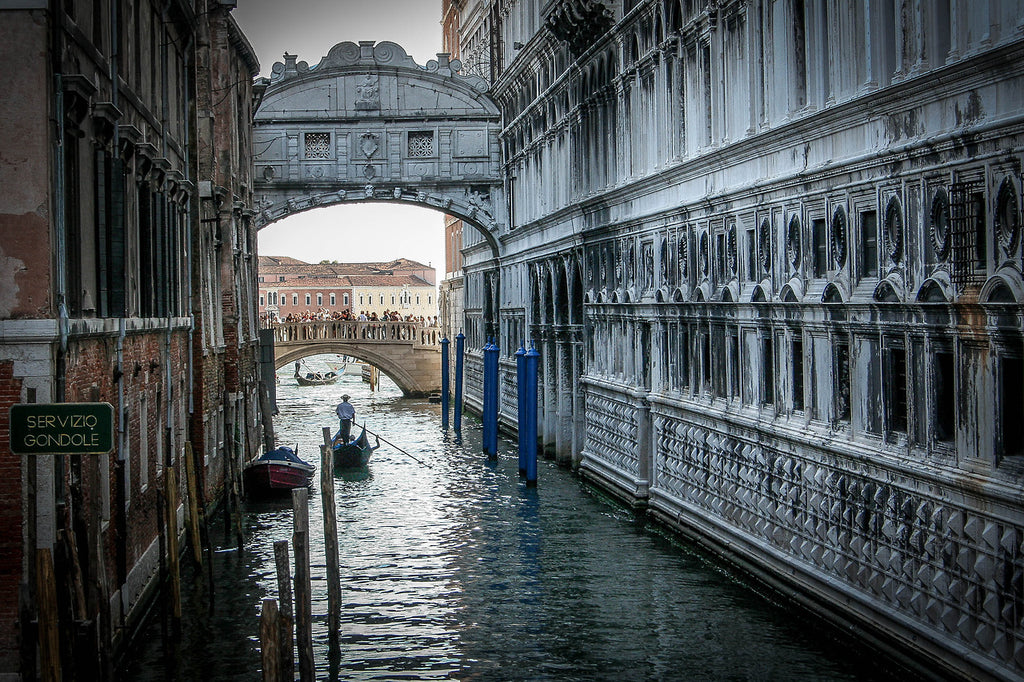 #Venice #Venedig #Venezia #Italia #Italy #Italien #Europe #Old #Historic #Ancient #Water #Waterscape #City #Cityscape #Urban #Buildings #Photogrpahy #Travelling #Traveling #Travel #Tourism #Vacation #Holiday #Urlaub #Reisen