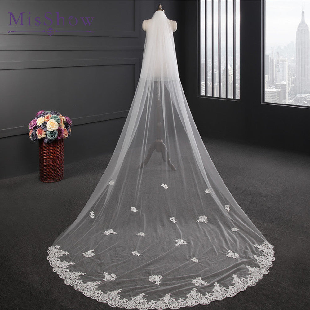 2017 New Design Wedding Veil 3 Meters Long Applique Lace Bridal