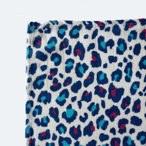 Etta Loves Blue Leopard XL Muslin