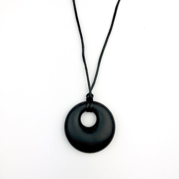 Black Pendant Teething Necklace - Seb and roo