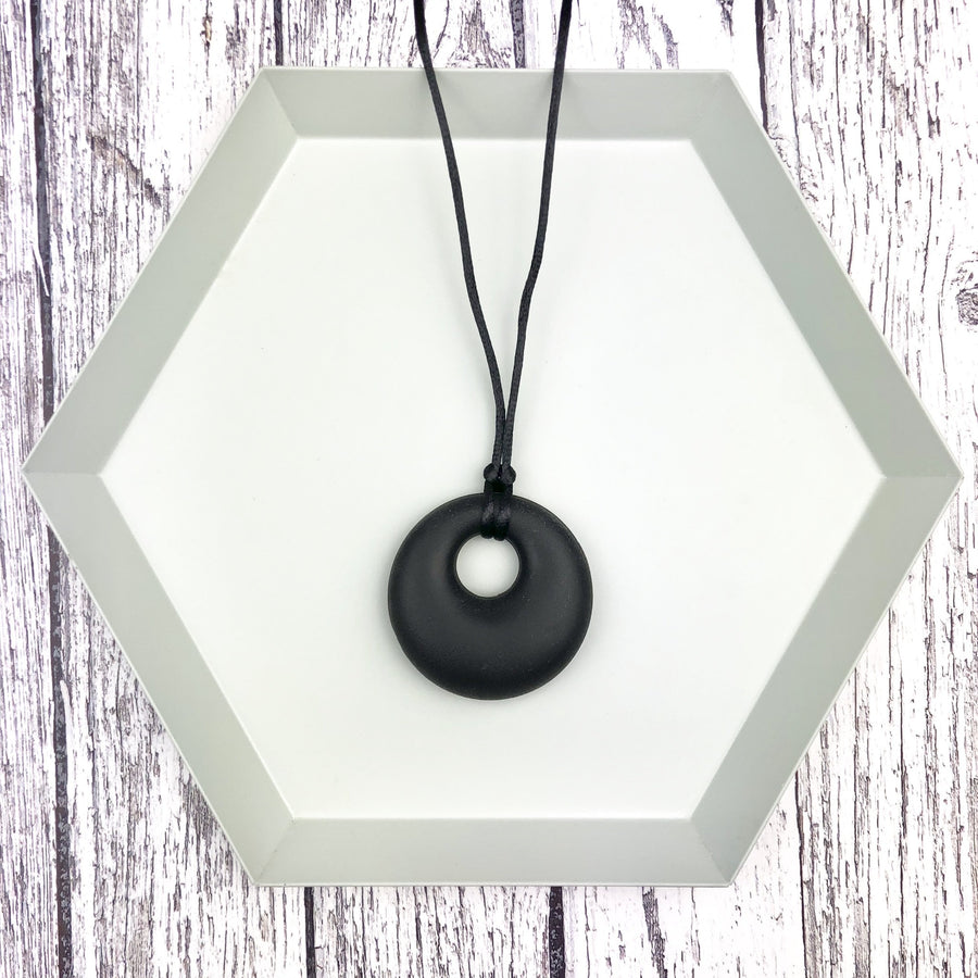 Seb&Roo - Black Pendant Teething Necklace