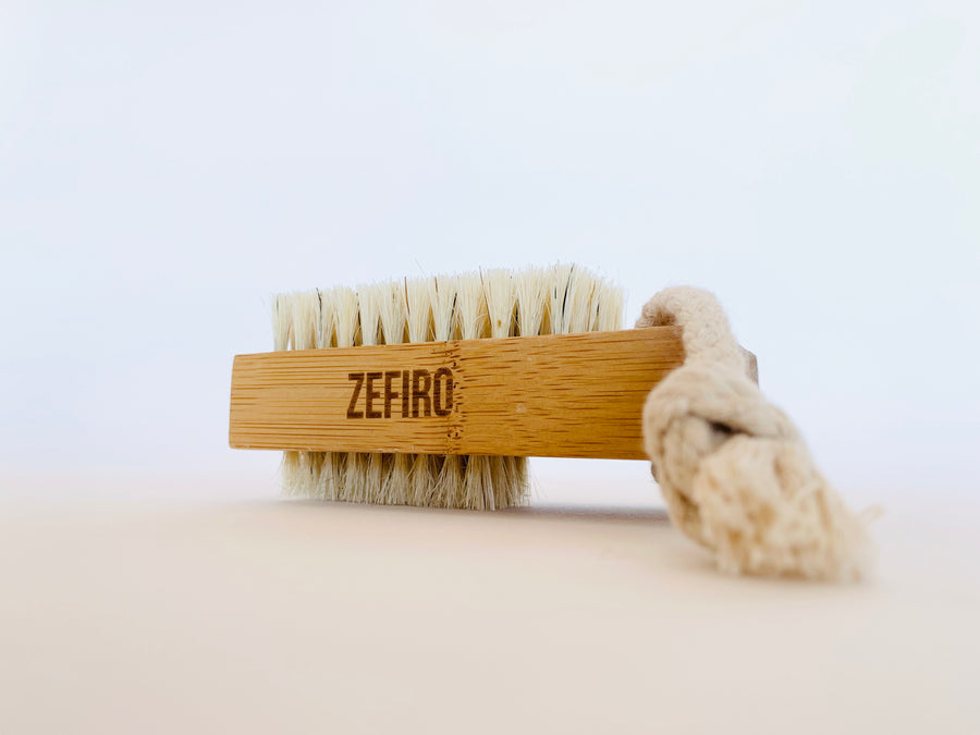 Zefiro Nail Brush