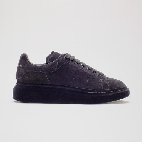 ALEXANDER MCQUEEN RAISED SOLE LOW TOP SUEDE FLOCKED SNEAKER GREY
