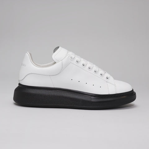ALEXANDER MCQUEEN RAISED SOLE LOW TOP SNEAKER WHITE/BLACK