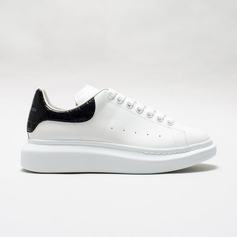 ALEXANDER MCQUEEN RAISED SOLE LOW TOP CROCODILE EFFECT BLACK TAB SNEAKER WHITE