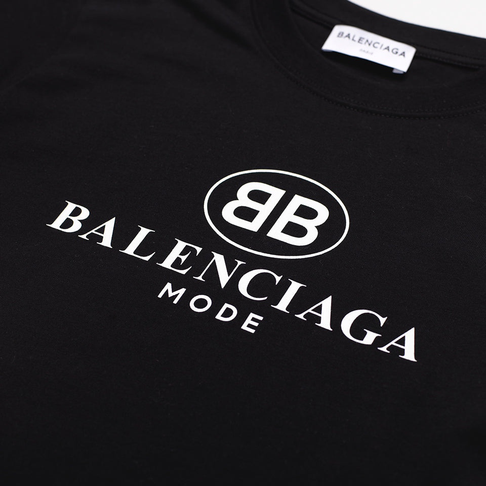 80d9cf6b1bb6b BALENCIAGA WOMENS LOGO-PRINT COTTON-JERSEY T-SHIRT BLACK – Mr Trendz