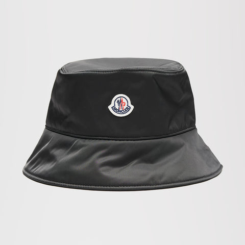 MONCLER LOGO PATCH BUCKET BLACK WOMENS