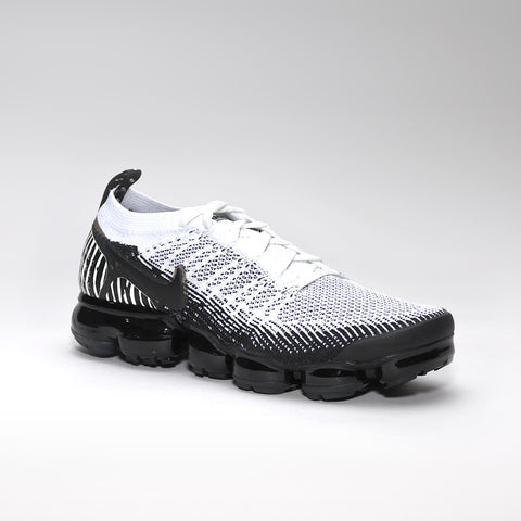 NIKE VAPORMAX BLACK / WHITE