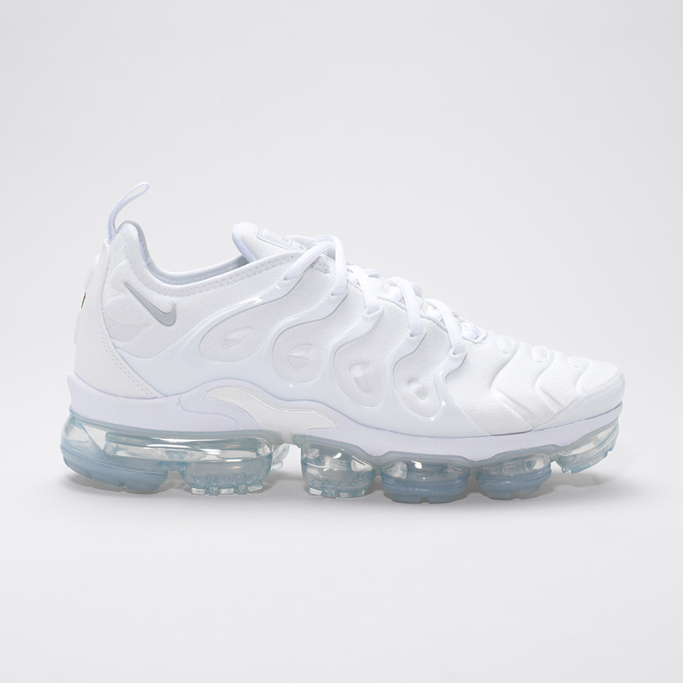 6a4c92d8015 NIKE AIR VAPORMAX PLUS TRIPLE WHITE – Mr Trendz