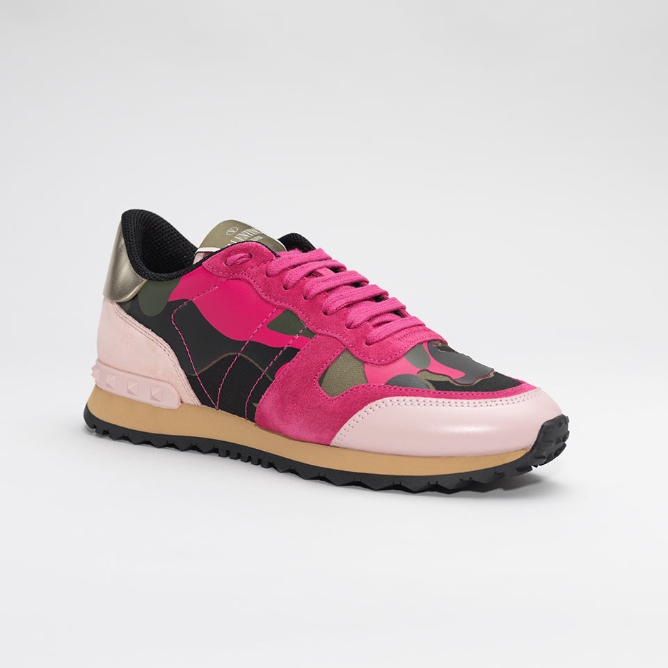 75d28df253836 VALENTINO ROCKRUNNER LEATHER AND SUEDE CAMO TRAINERS PINK – Mr Trendz