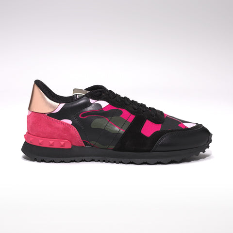 VALENTINO ROCKRUNNER LEATHER AND SUEDE CAMO TRAINERS BLACK/PINK