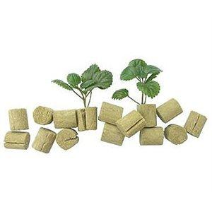 Grodan MACROPLUGS 35 BAGS OF 50 (box of 1750) in Canada - IndoorGrowingCanada