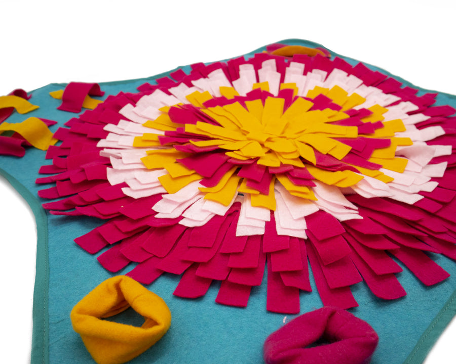 Large Flower-Shaped Feeding Pad