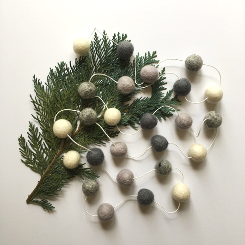 NATURAL CHRISTMAS GARLAND