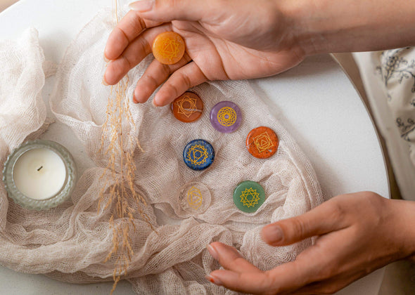 How to Meditate with Chakra Stones