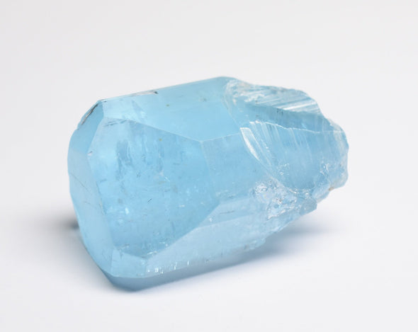 Blue Topaz: How To Use This Timeless Stone for Your Well-Being