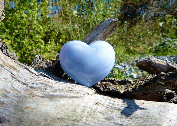 Chalcedony Stone: Meanings, Properties,  and Powers