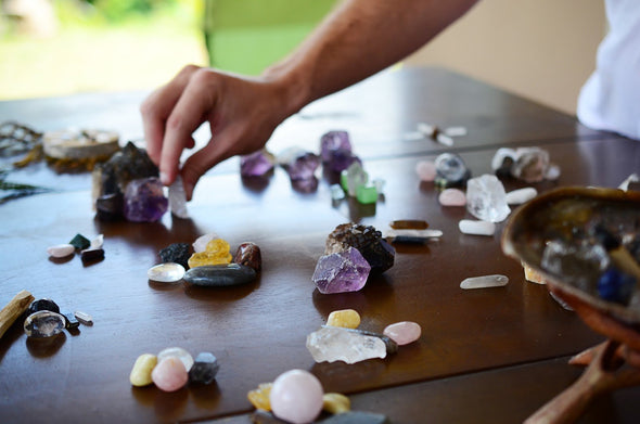 Healing Crystals Guide: Gemstones to Create an Energy Healing Kit