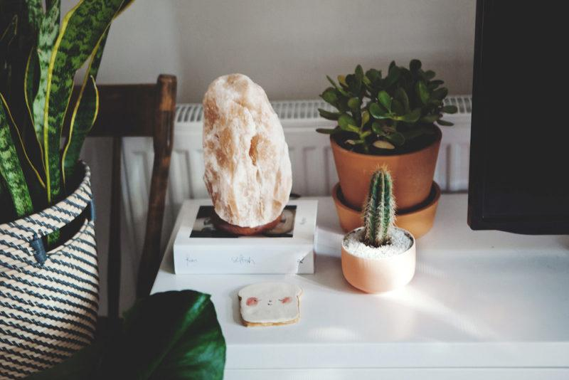 HIMALAYAN SALT LAMP BENEFITS FOR MIND AND BODY HEALTH