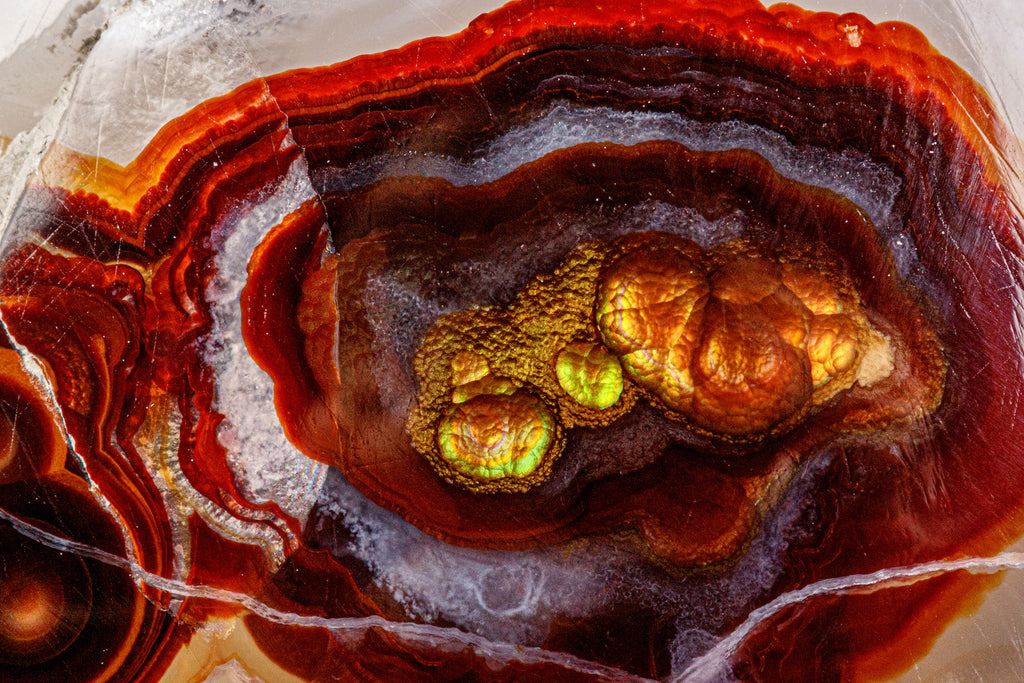 Close up on the patter of a fire agate stone