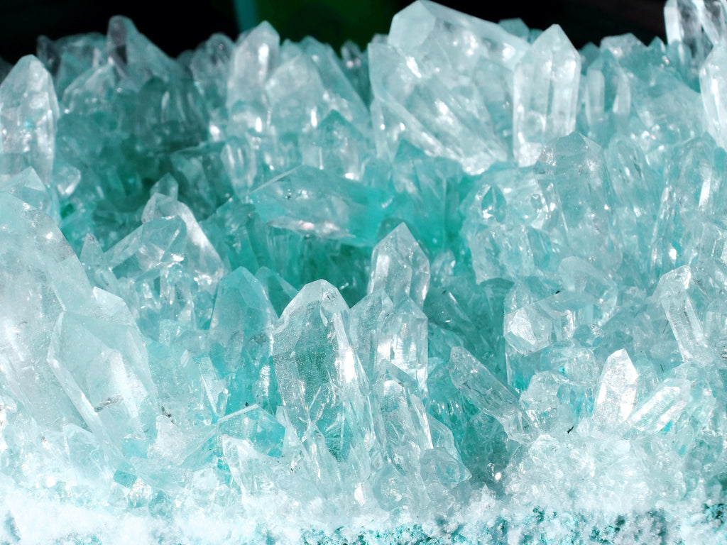 Closeup on the texture of an aquamarine crystal