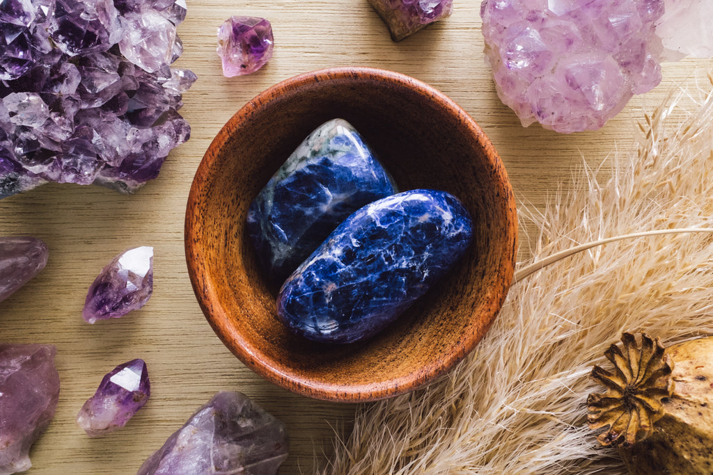 Bowl of sodalite stones