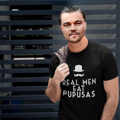 Real Men Eat Pupusas - Camiseta Unisex