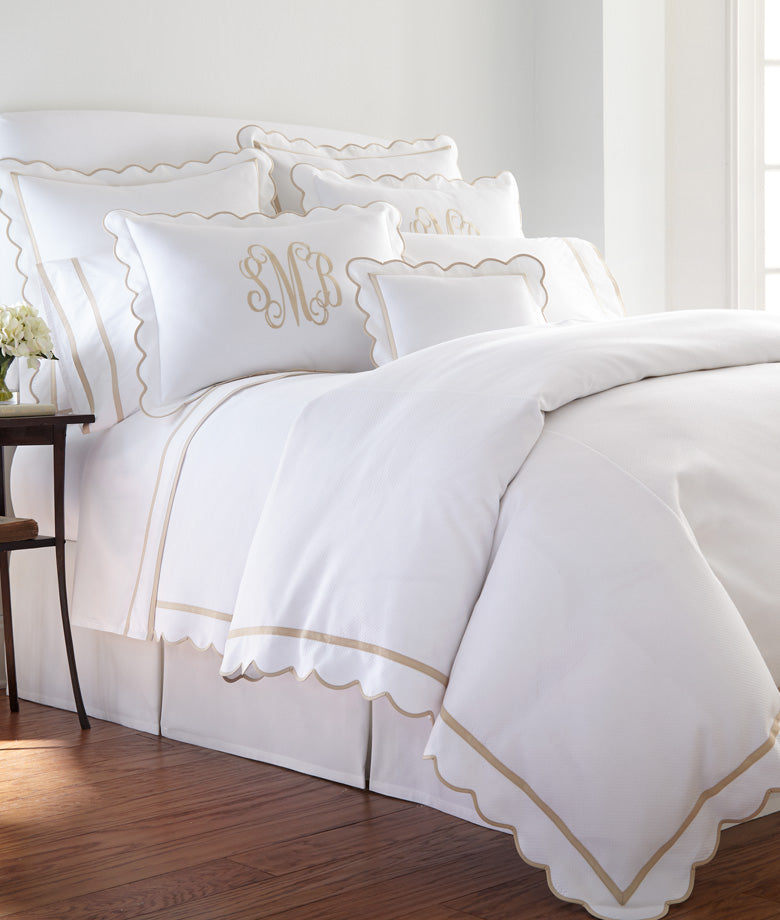Custom Scallop Banded Diamond Pique Bedding