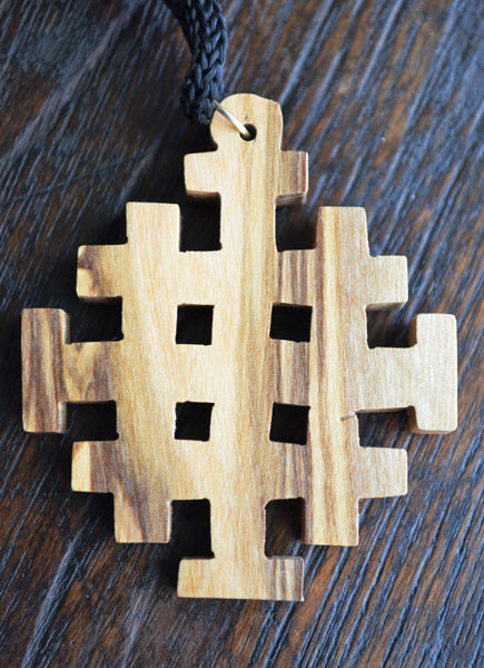 A cross necklace for the season