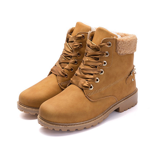 Fuzzy Combat Boots Tan / 6