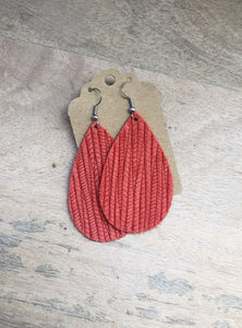 Red Palm Leaf Teardrops