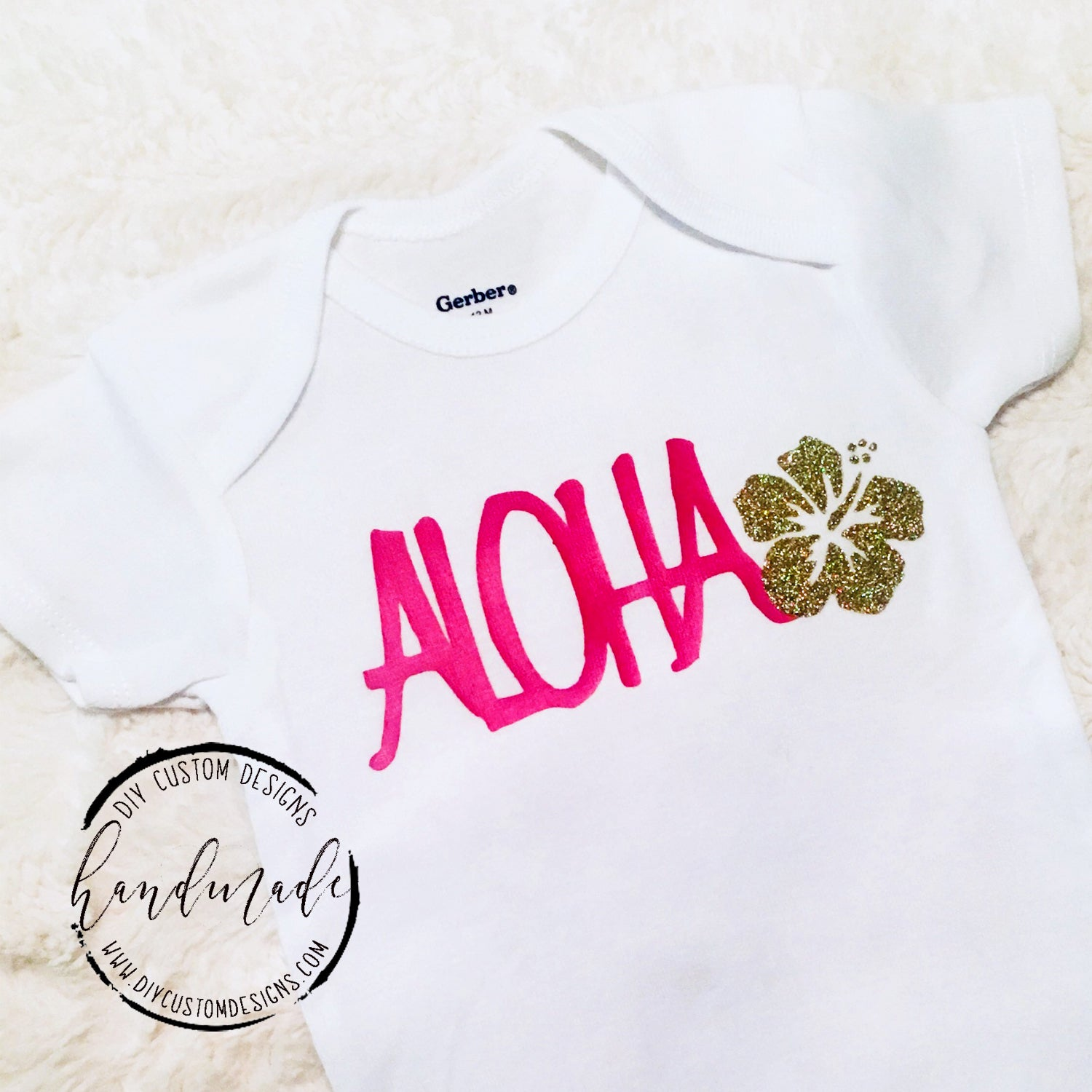 Baby Hawaii Outfit Baby Shower Gift HI Onesie Hawaii Baby HI Hawaii Apparel Somebody In Hawaii Loves Me Gift For Baby Hawaii Onesie
