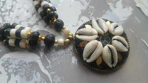Black & White Beaded Necklace - #J804
